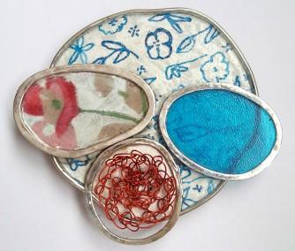 broche bloemetjesbehang- zilver,kunststof, stof - 7 - € 80